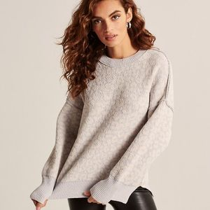 Abercrombie Oversized Chenille Sweater Size S NWT